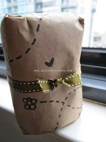 a little too free : DIY personalised gift wrap