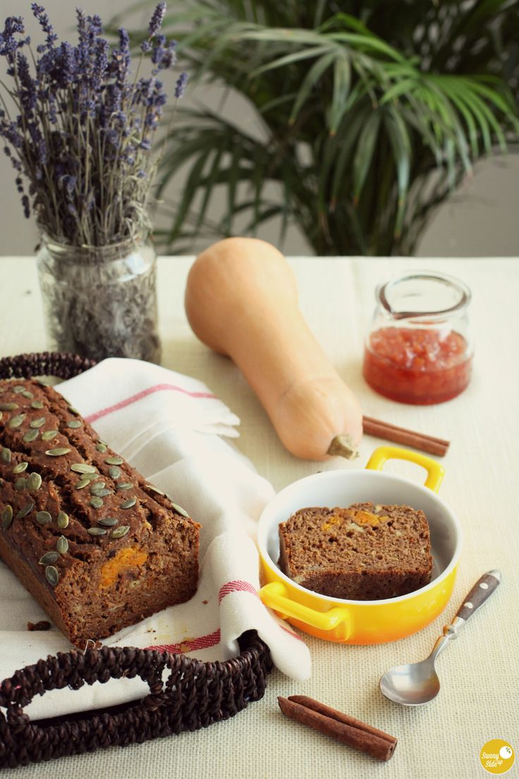 orange-you-glad it's autumn? :) although i'm a summer kinda girl, i will always love fall's bright, golden, orange and red colors. this is the perfect time to bake, so how about this easy vegan no added sugar fruit cake, filled with bananas, apples, butternut squash and quince jam? it's moist and not sickeningly sweet, but with a very festive aroma! :) romanian recipe here: http://sunnysideup.ro/simplific-viata-complic-checul/