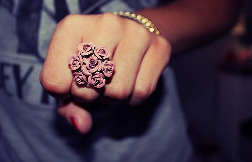 The roses ringCute Fashion, Flower Rings, Girls Generation, Girls Photography, Image, Jewelry, Style Pinboard, Rose Rings, Flower Girls