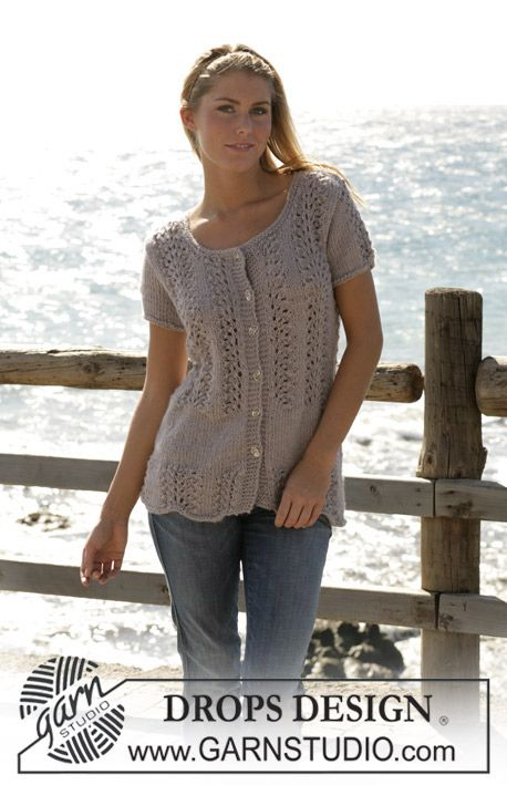"""DROPS cardigan with short sleeves knitted in lace pattern with """"Silke-Alpaca"""". ~ DROPS Design"""