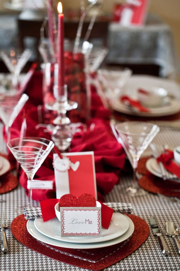 Valentineu0027s Day Dinner Party table complete with place cards and inidual menus & 91 best Valentineu0027s Day Table Styling images on Pinterest | Table ...