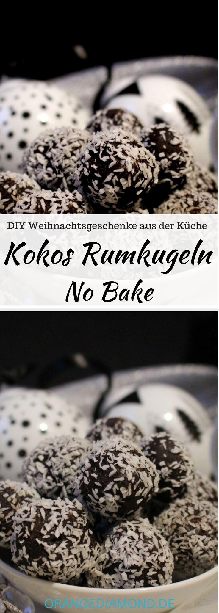 DIY Geschenke aus der Küche zu Weihnachtten: Rumkugeln mit Kokos ohne backen! Die No Bake Rumkugeln sind schnell gemacht und schmecken himmlisch. Das Rezept gelingt immer und ist ein schönes Weihnachtsgeschenk aus der Küche. #diy #weihnachten #küche #rum #rumkugel #kokos #vegan #nobake #eneregyball #nosugar #ohnezucker