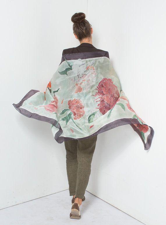 Minty Peonías pintado a mano mantón de seda. Por klaradar seda pintado