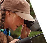 Kolme erilaista omatoimista luontoretkeä lajikortteineen alakoulusta yläkouluun. Nyt Haltiasta saa lainaksi luontopolkureppuja omatoimisen luontoretkeilyn tueksi. Reput sisältävät valmiiksi suunnitellun kahden tunnin metsäaiheisen retkiohjelman ohjeen sekä tarvittavat välineet eri luokka-asteille. Repun ohjelma ei ole paikkaan sidottu, vaan sitä voi vetää esimerkiksi koulun lähimetsässä. Jos kiinnostuit, varaa luontopolkureppu päiväksi Haltian asiakaspalvelusta.