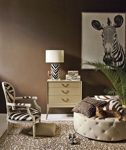 Combining prints brings excitement to a room—but how do you make it work? Set small patterns against large ones, limit your palette, and include one big solid (on sofa, floor, or wall) in the scene. Go ahead: Do try this at home.