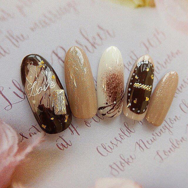 いいね!102件、コメント3件 ― hiroshima 爪飾人⚚ FRAME本通り店 chaiさん(@chai.0402)のInstagramアカウント: 「もうすぐヴァレンタインですね 大人なチョコcolorを爪に 装ってみてはいかがでしょう✨ frame chai ayana. . .…」