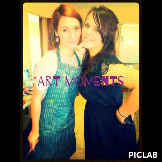 Suzanna and I doing selfies in art class