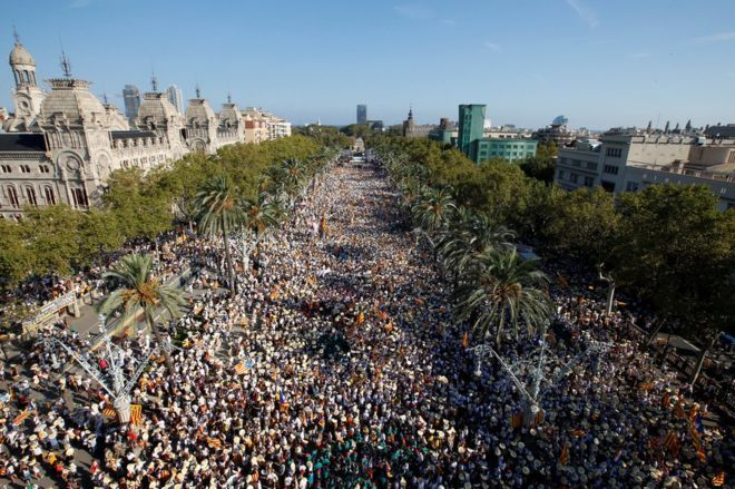 Catalan independence: Hundreds of thousands rally for break with Spain 9/11/16