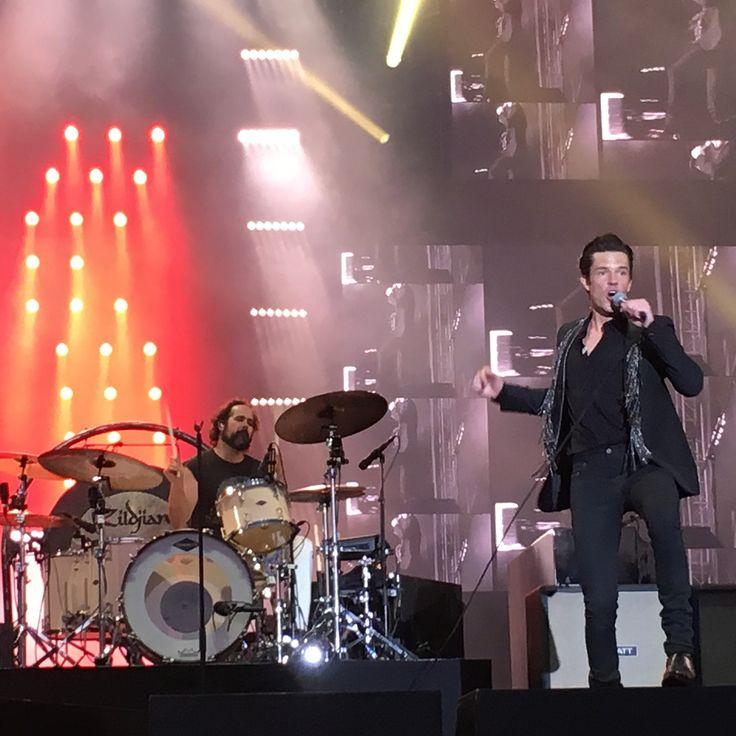 @thekillers #provinssi #provinssi2017 🙌🏼⚡️💜🌈🙏🏼 mahtava keikka eturivissä #livemusic #gig #amazing…
