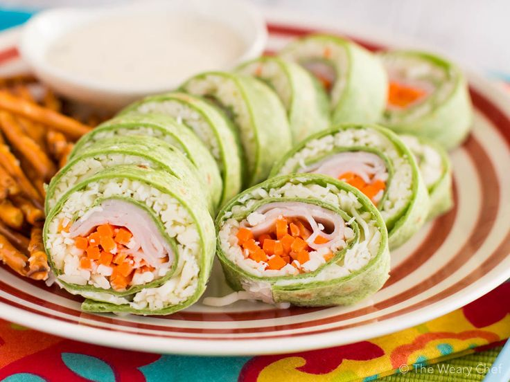 Your kids will flip for this turkey and cheese sushi sandwich! It's quick and easy to make and fun to eat.