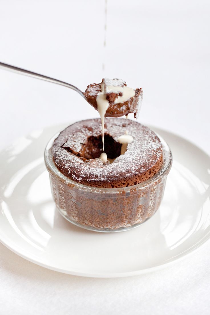 If you've ever watched Masterchef you'll have seen contestant after contestant being warned by Messrs John Torode and Gregg Wallace how tricky it is to make perfect gooey-centred chocolate fondants. Some contestants go ahead anyway (let's face it, by the time they're being filmed, they're al