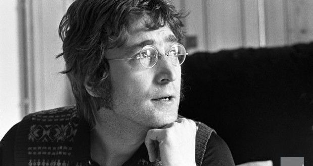 John Lennon a choqué le monde à plusieurs reprises, mais cette fois-ci, la polémique est restée principalement aux Etats-Unis  Nous sommes le 24 avril 1972. John Lennon vient de sortir le morceau « Women is the Nigger of the World » il y a quelques heures.