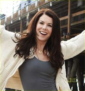 I love Lauren Graham's quick wit and bouncy personality. And she talks fast. Very, very fast. And she's cute.