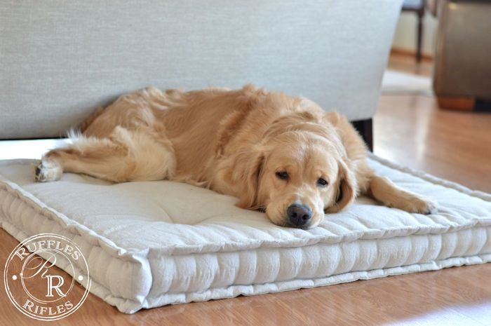 French Mattress Dog Bed And Tutorial Mattress Dog Bed Cool Dog Beds Dog Pillow Bed