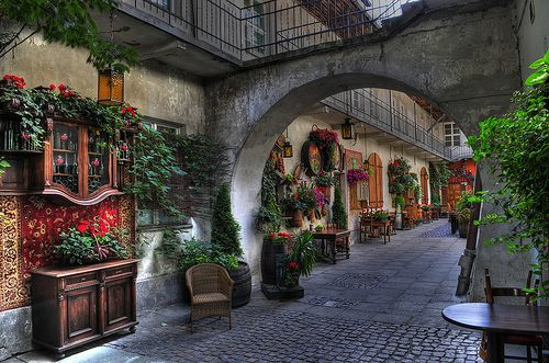 Old Jewish Quarter, Kazimierz, Karcow, Poland - The courtyard where Schindler's List was filmed.