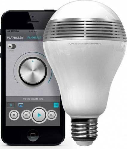 Atrage toate privirile prietenilor la următoarea ieșire în oraș cu ajutorul becului inteligent led RGB cu funcție de boxă! Cumpără acum cel mai inedit accesoriu!  Boxa de 6V oferă un sunet excelent! Se conectează prin Bluetooth la telefon și se controlează prin telecomandă. Astfel poți să schimbi culorile, să mărești sau să micșorezi intensitatea luminoasă și să pornești jocuri de lumini!