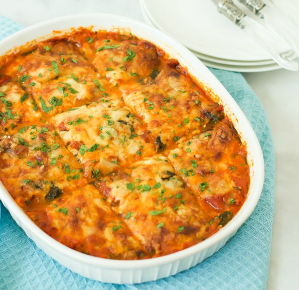 Slow cooker zucchini lasagna is going to become your favourite lasagna not only because I used zucchini instead of noodles, but also made in the slow cooker