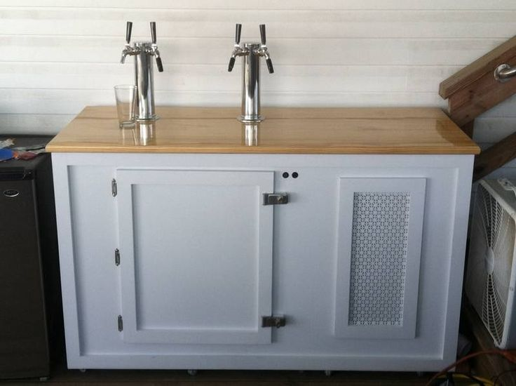 Diy outdoor kegerator home brew forums beer for Home bar with kegerator space