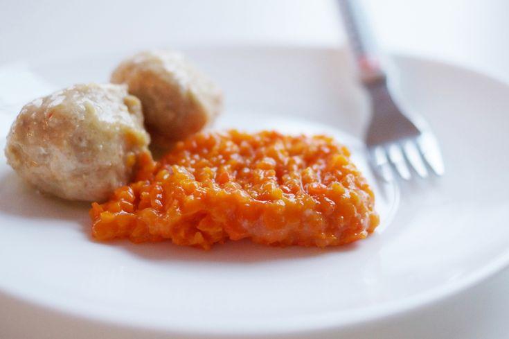 Delikatne pulpeciki z indyka z gotowaną marchewką