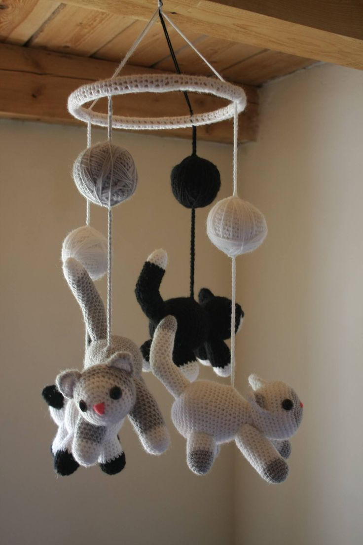 Crochet nursery kitty