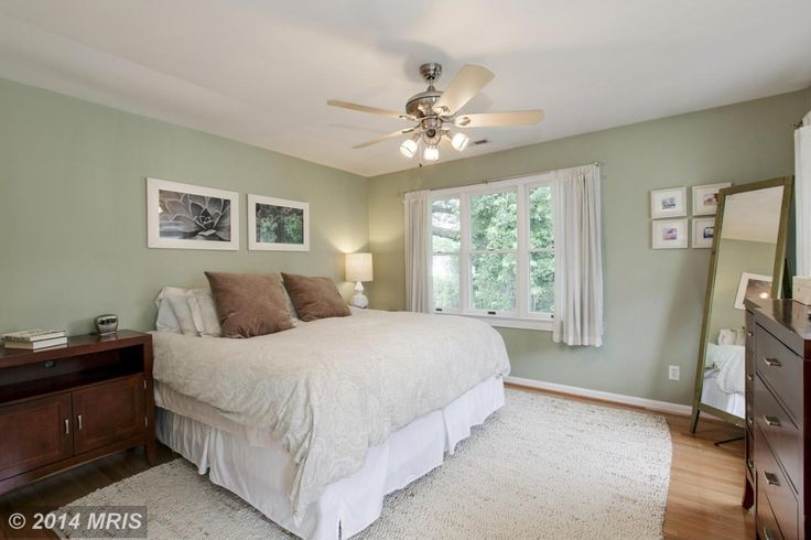 1000+ Ideas About Light Green Bedrooms On Pinterest