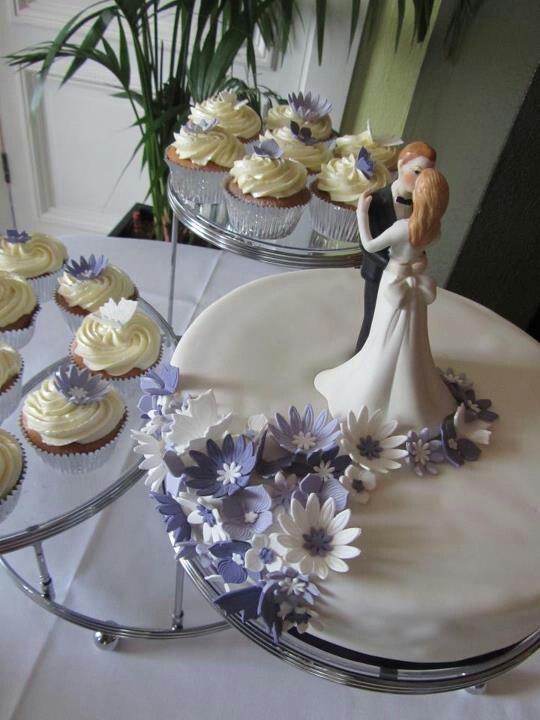 Lila bruids taart