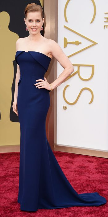 Gorgeous and simple. Another winning #redcarpet #style. Amy Adams in Gucci with Tiffany & Co. jewels.