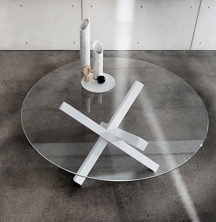 Beautiful point of view on Aikido table: the pureness of glass and the shape of the base create an unique combination  #interior #sovetitalia #design #decoration