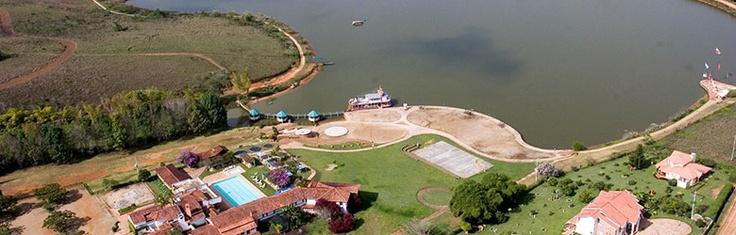 Bucaramanga. Club acuarela. Lago Club Acuarela