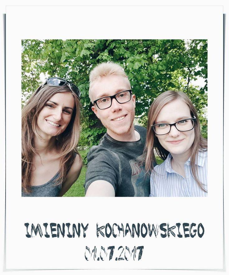 Kulturowe eskapady z @tuczytam.booktube! ������ Świetny wywiad z profesorem Bralczykiem, komiksowe polowanie i mój pierwszy slam poetycki na długo zostaną mi w pamięci! ��⛲�� . . . . . . . . #selfie #friends #polaroid #outside #kochanowski #warszawa #imieniny #park #july #smile #vsco #vscocam #vscogram #holiday #summer #youtube #squad #theme #marker #culture #happy #p42 #tuczytam #kk42 http://butimag.com/ipost/1554323245172175067/?code=BWSEMGenrDb