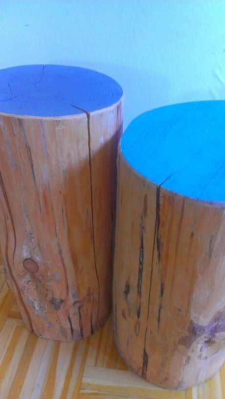 Same wooden bedside tables. Only now I've painted the tops blue and grey.