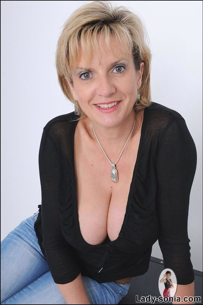 mc gill mature women personals The best source of information for men interested in dating older women including cougar dating site reviews, online dating tips, and offline dating tips.