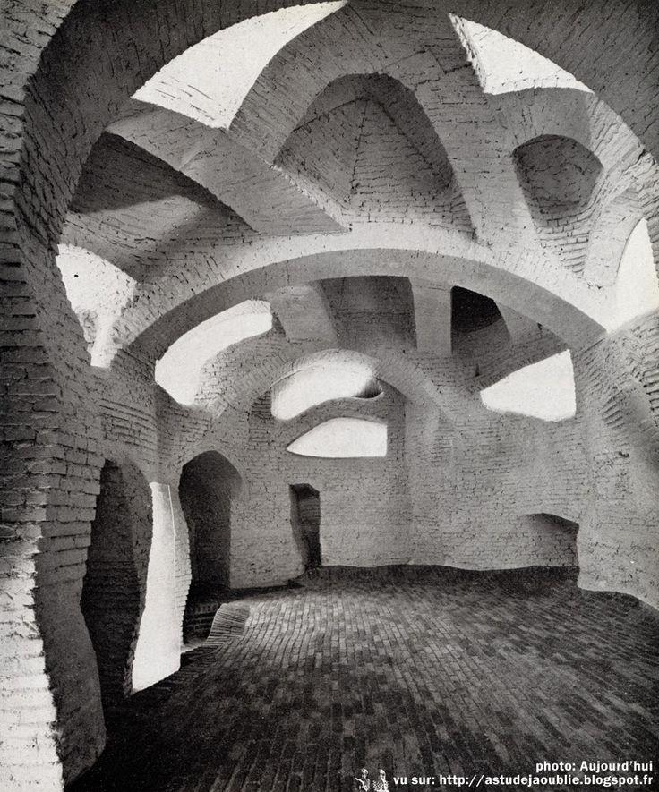 Meudon - Sculpture Habitacle 2 Sculpteur: André Bloc Construction: 1964
