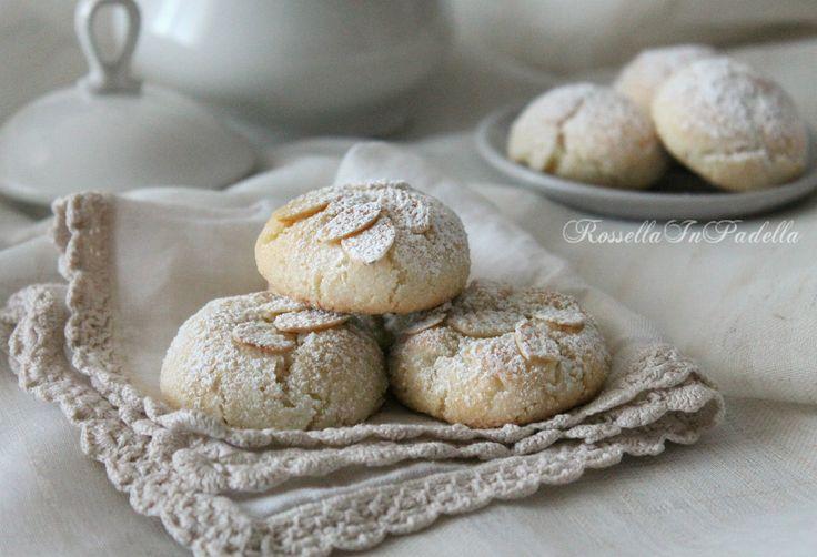 Suspiros del monjas deliciosa pasta de almendras