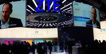 ZTE lanza en el MWC 2018 su nueva serie BLADE y el teléfono AXON M, tecnología con premio https://www.mayoristasinformatica.es/blog/zte-lanza-en-el-mwc-2018-su-nueva-serie-blade-y-el-telefono-axon-m-tecnologia-con-premio/n4534/ Más información sobre #mayoristas, distribuidores y proveedores de #Smartphones en http://www.mayoristasinformatica.es/telefonos-moviles.php