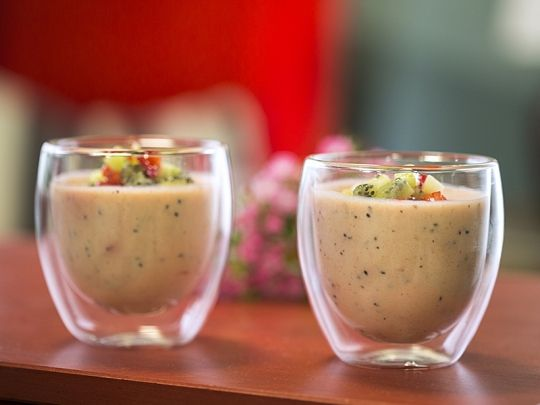 Бон Апети Баварски крем с ягоди и киви