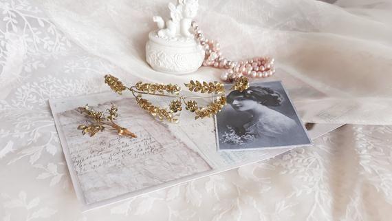 Golden Myrtle Tiara Vintage Deutsche Hochzeit Myrtle Crown Gold Haarkranz Antike Goldene Brautkrone Mit Anstecknadel 1930er Jahre Tiara Braut Hochzeitsk In 2020 Deutsche Hochzeit Brautkrone Tiara