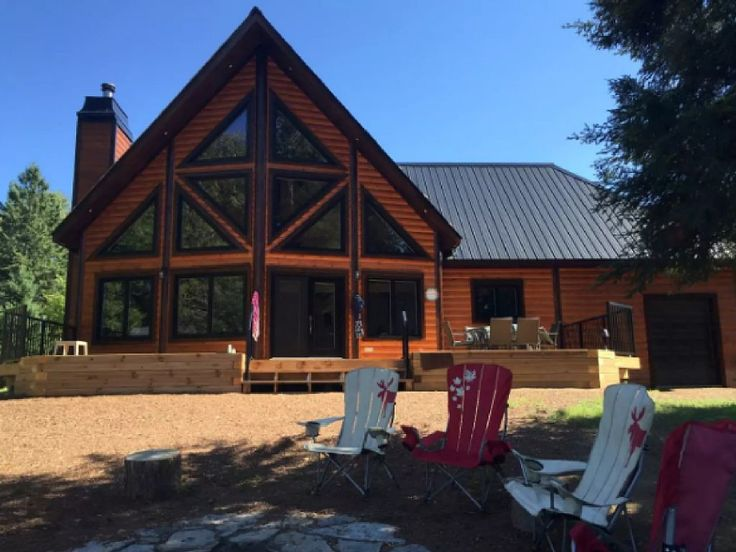 VRBO.com #4303536ha - Brand New, Large, Cosy, Modern Log Cottage in Muskoka! Sledders! Families or Couples!