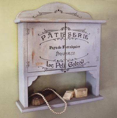 Mueble de madera decorado con plantilla patisserie y - Pintura para muebles de madera ...