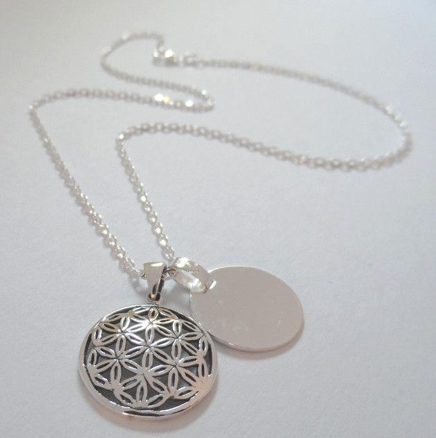 925er Silber Halskette Blume des Lebens mit Wunschgravur                                                                                                                                                      Mehr