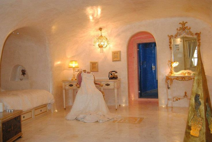 """Are you planning to say the great """"Yes""""?  If so, then opt for the amazing luxury suites of Art Maisons l Aspaki & Oia Castle Luxury Honeymoon Hotels in #Santorini"""