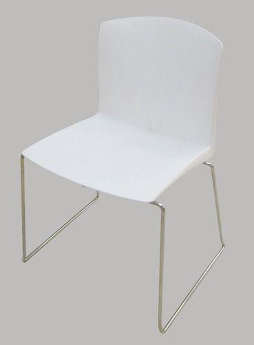 Silla de ca o sillas plasticas dise o reynaud living for Sillas plasticas comedor