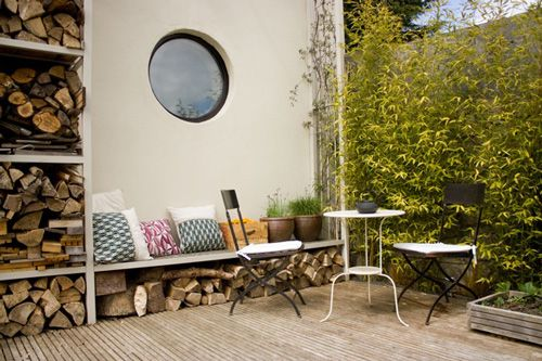 Deck seating http://www.myhomerocks.com/2012/03/beautiful-laid-back-home-design-by-ekaterina-voronova/