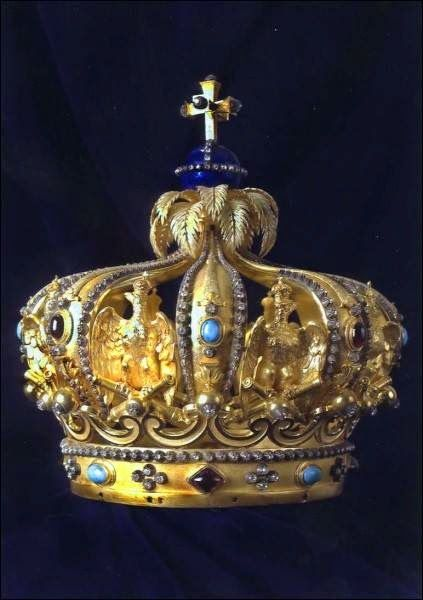 The Crown of Haiti : Crown of Faustin | Official and Historic Crowns of the World | source: http://www.hubert-herald.nl/Haiti.htm