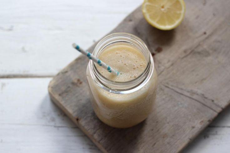 Ik maak eigenlijk altijd een smoothie met mijn blender. Lekker wat fruit, melk en yoghurt mixen en klaar is je smoothie. Sapjes maak ik eigenlijk altijd met mijn slowjuicer. Maar wist je dat je met je blender/staafmixer ook lekkere fruitsapjes kunt maken? Vandaag hebben we een heel lekker en simpel recept voor appel-perensap. Recept voor...Lees Meer »