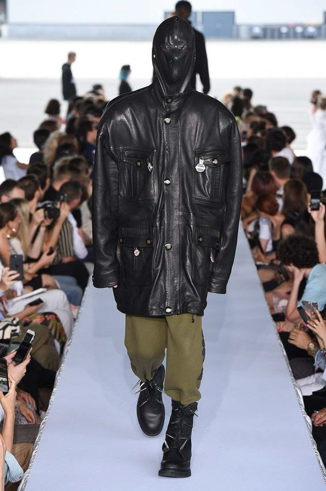 Vetements Spring 2019 Ready-to-Wear Fashion Show ...