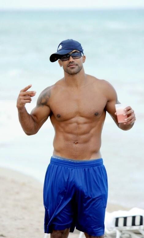 Shemar Moore.....that is one hot man!!!!!!!!!!!!!