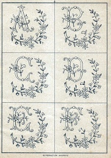 Monograms antique - Wonderful FREE initials patterns.  Need This!!