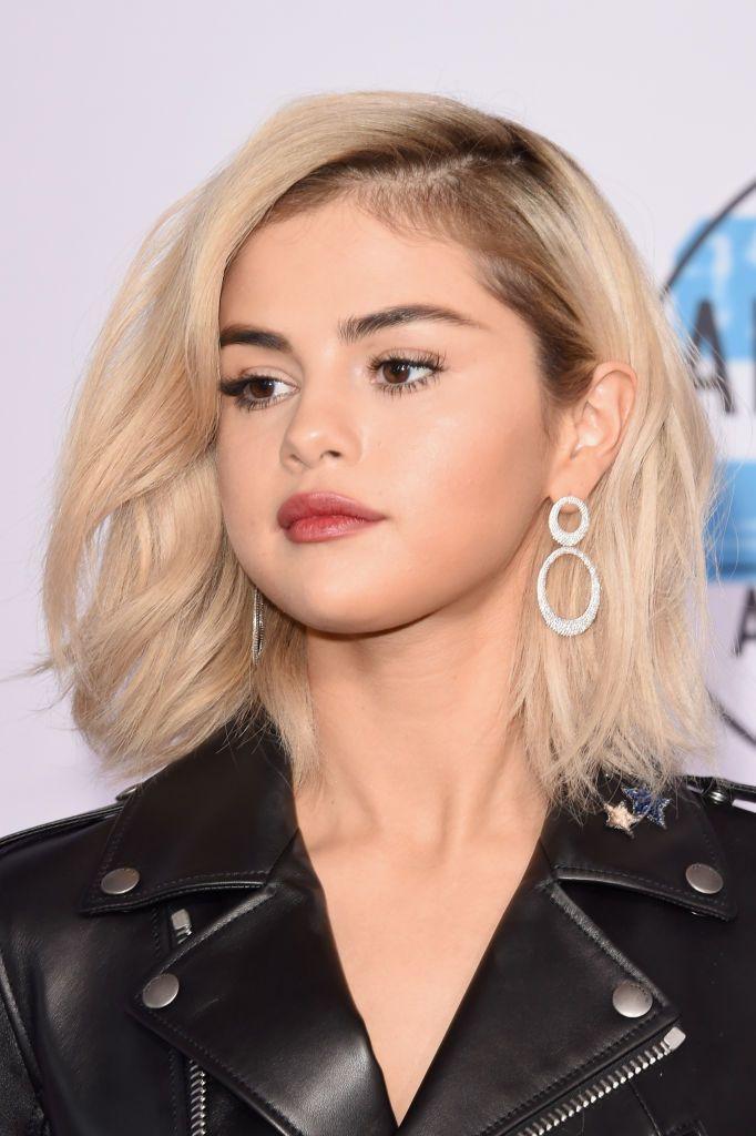 Selena Gomez S Nirvana Blonde Hair Took Nine Hours To Perfect