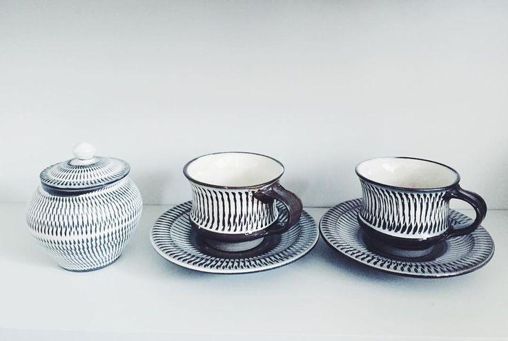 Onta-yaki 小鹿田焼 #ontayaki #pottery #ceramics #madeinjapan #cupandsaucer #sugarpot #simplelife #minimalism #小鹿田焼 #陶芸 #シンプルライフ #ミニマリスト#好きなもの by minimal_michi